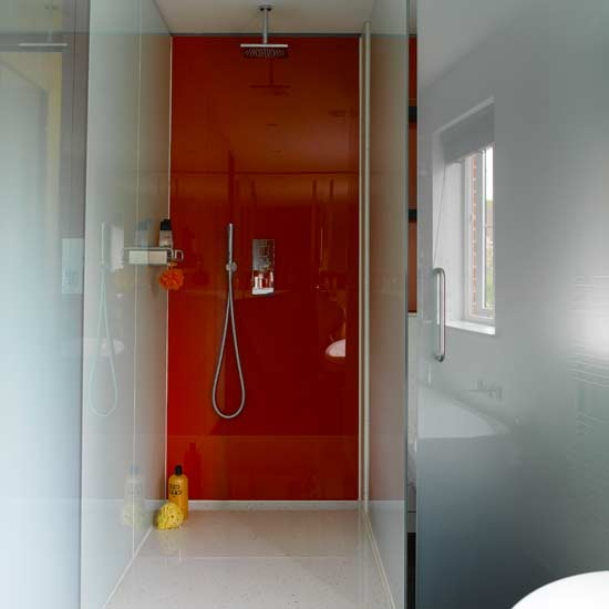 Kabiny prysznicowe – sprawdź największe zalety!